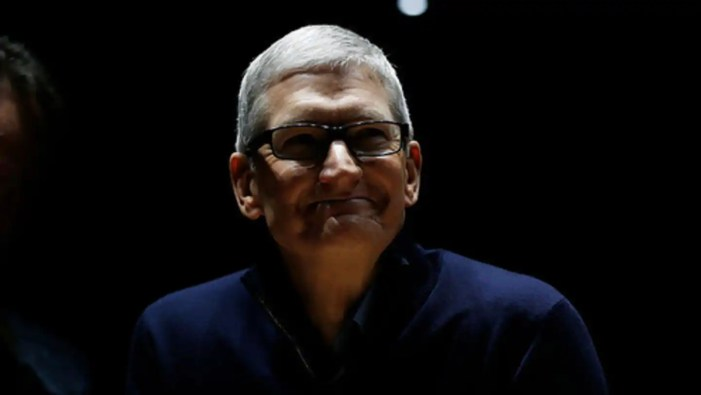 NewsBytes Briefing: Apple pulls a Xiaomi with advertisements, and more | NewsBytes
