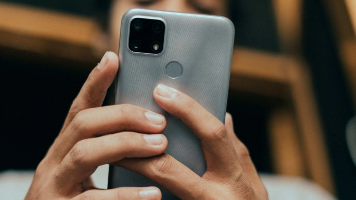 Google Pixel 6 may get Apple iPhone's UWB connectivity feature