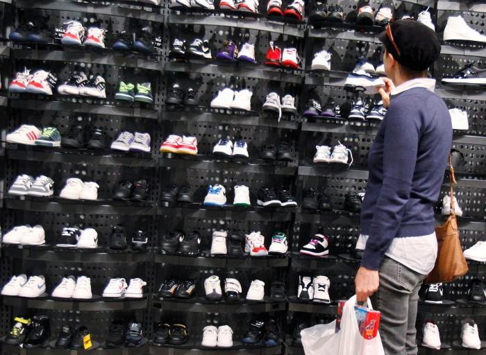 Foot Locker CEO: consumers still loving their hoodies and sweatpants: