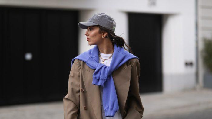 4 formas de transformar tu look con una simple gorra