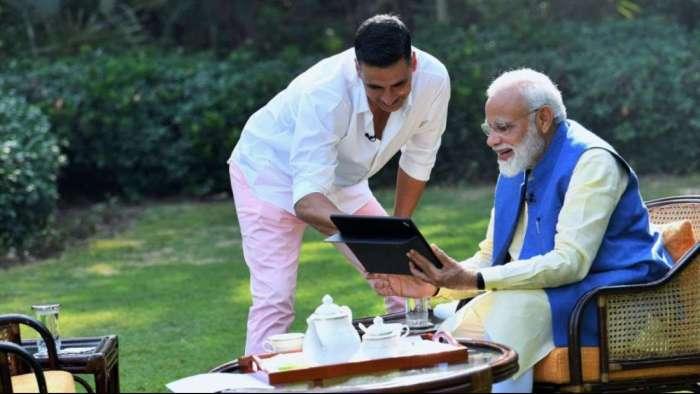 Akshay Kumar responds to PM Modi's condolence after his mom's death