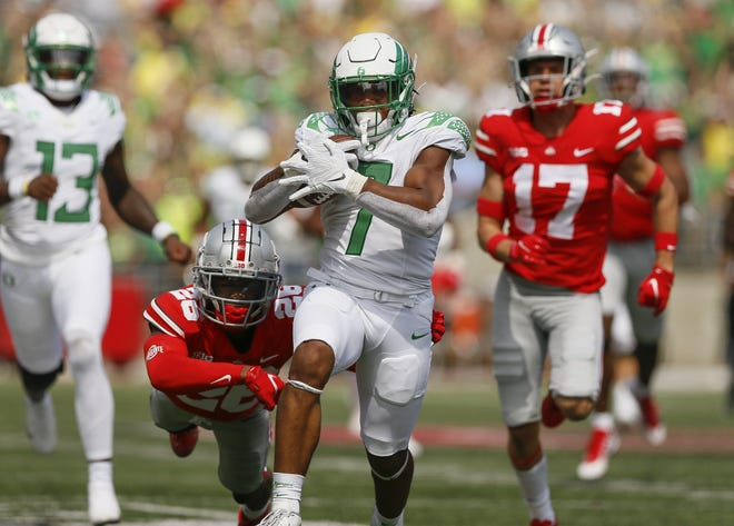 No. 11 Oregon beats No. 3 Ohio State in upset, shaking up College Football Playoff race