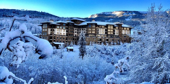 This $40K Ski Experience in Colorado Comes With Private Jets, First Tracks, Spa Time, and More