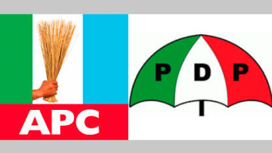 Photo of Just In: Many injured as APC, PDP thugs clash at Oba palace in Edo State