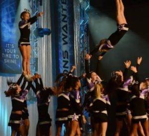 Cheerleading formation
