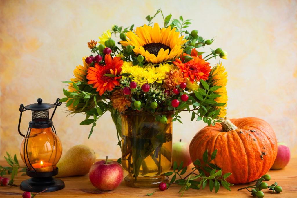 Women's Business Alliance Floral Arrangement Class