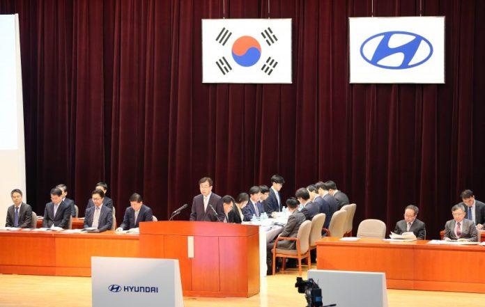 Hyundai-beats-Elliott-in-proxy-war