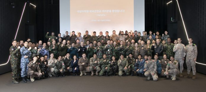 Hanwha's-defense-tech-impresses-foreign-officers