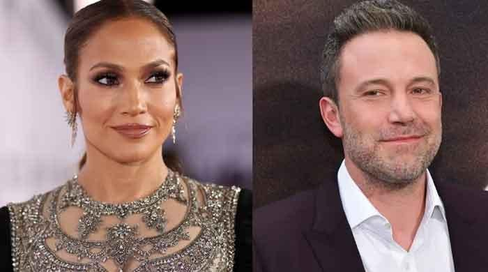 Jennifer Lopez, Ben Affleck check out some jewels during romantic Italy getaway