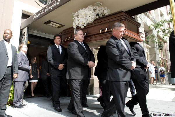Joan Rivers Body Leaves NYC Funeral Home For NJ