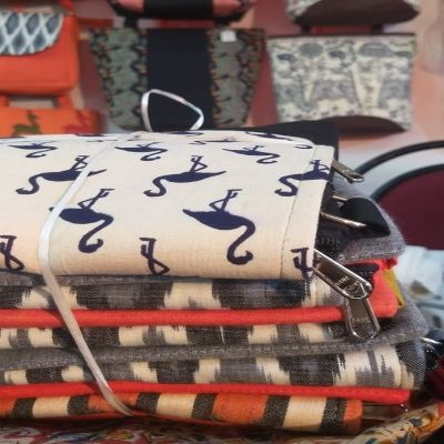 Selling Hand-Made Bags on Social Media: The Story of Adnya