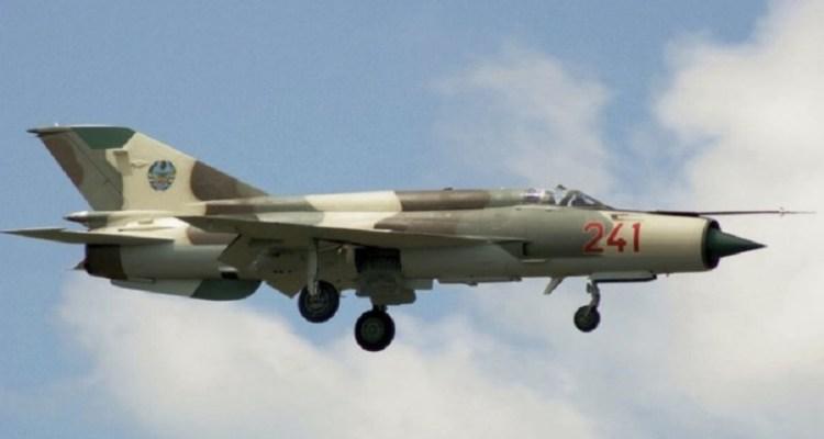 MIG-21 FAM_Moz- Aerostar 07jul2014_01