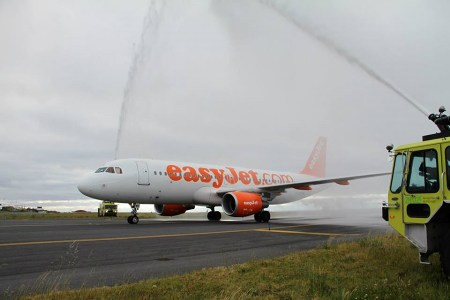 EasyJet A320 Aero PDL 29mar2015_A_ANA