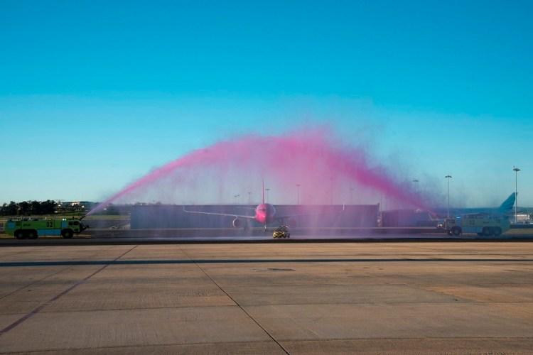 Wizz Air A320_AeroLIS 30mar15 arcoAgua 750pxi