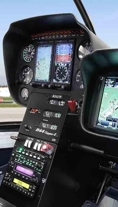 Pormenor-piloto-automatico-R44