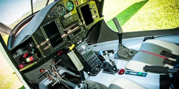 Uma das muitas configurações de cockpit do Pipistrel-Virus-SW-80