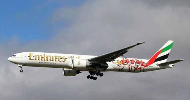Emirates B777-300ER SLBenfica03 900px