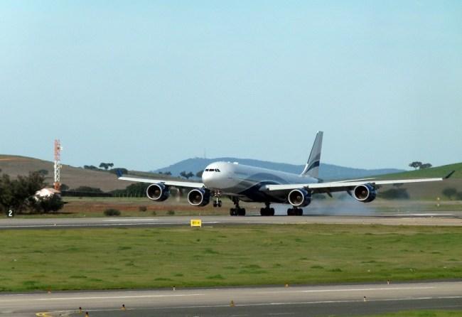 Hi Fly A340-500 AeroBeja JorgeDiogo 900px