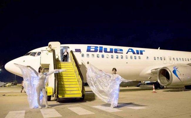 Blue Air B737 arrival_LIS02 900px