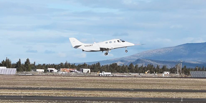 1-voo-stratos-aircraft