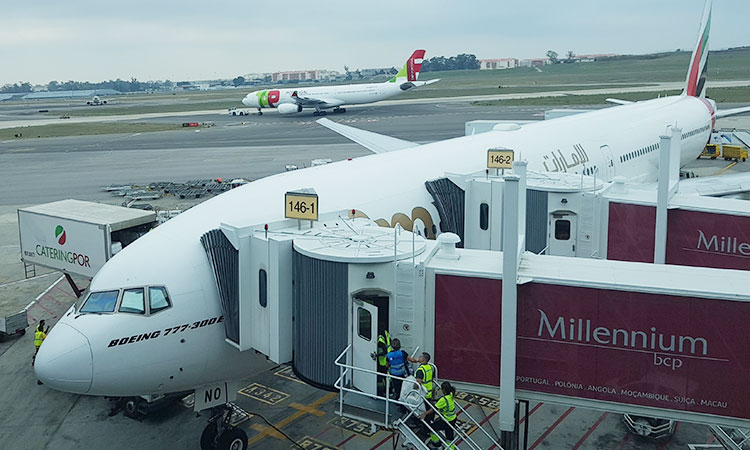 Figura 16: Boeing 77W da Emirates A6-ENO em Lisboa