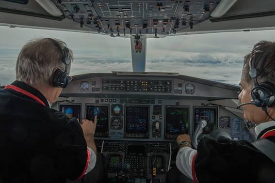 MailAvia - Comandante e copiloto em operação