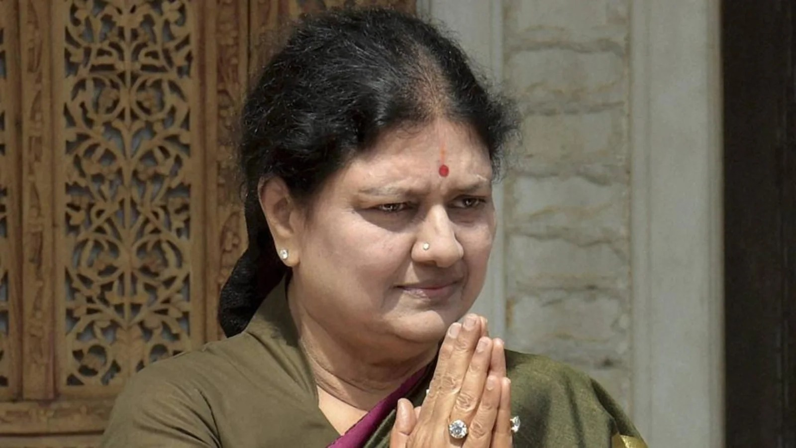 Sasikala to return to Jayalalithaa memorial today. Know why it's politically significant
