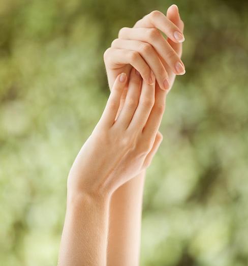 2 दिनों में हाथों से गोरा कैसे करें