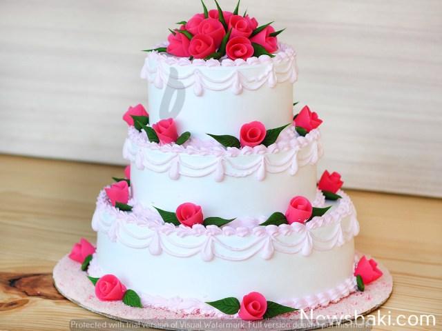 3 tier vanilla party cake A