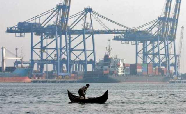 मार्च में सबसे अधिक निर्यात के साथ व्यापार में गिरावट $ 14.12 बिलियन के लिए