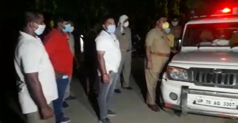 Rewarded criminal caught in Chandauli