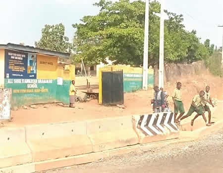 Court remands 9 Osun students for attempting to kill principal with charms, axes