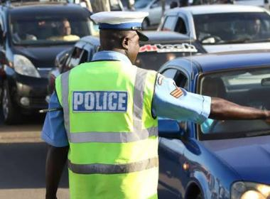 Drama as Kenyan traffic officers accidentally shoot female colleague