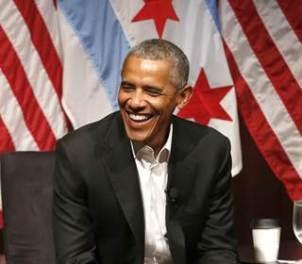 170424-obama-talk-alone-smiling-ew-1251p_41411cc666282645f32b403eb7a3ef68.nbcnews-fp-320-280