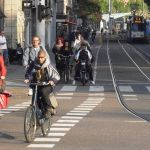 1280px-cycling_in_amsterdam_2010-1