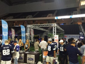 cowboys_draft_Football_toss_17_3