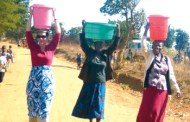 Wife of world's richest man fetches water in Malawi