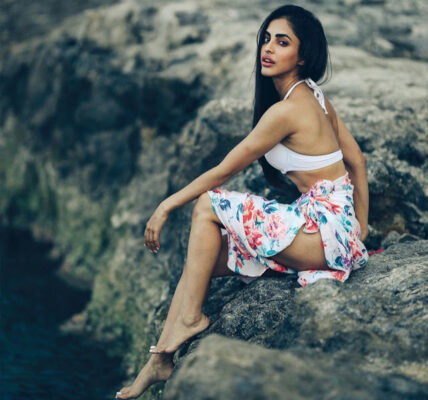 Glamorous photos of Priya Banerjee you simply can't give a miss
