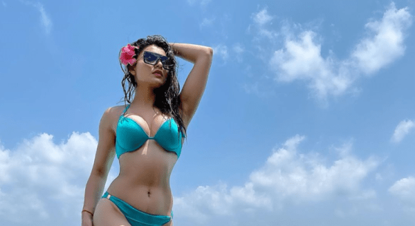 Vacation pictures of Urvashi Rautela Will Make You Hit the Beach [PHOTOS]