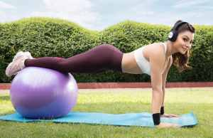Urvashi Rautela Fascinates Fans With her Picture on International Yoga Day