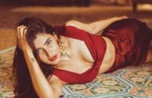 Karishma Sharma Flaunts Her sexy Curves in Latest Picture - newsdezire