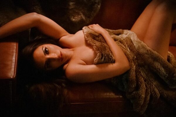 HOT! Shama Sikander poses only in an animal print sheet