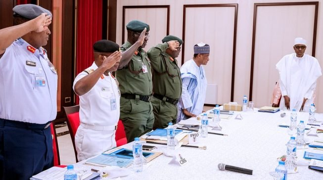 Buhari-and-service-chiefs-653×365