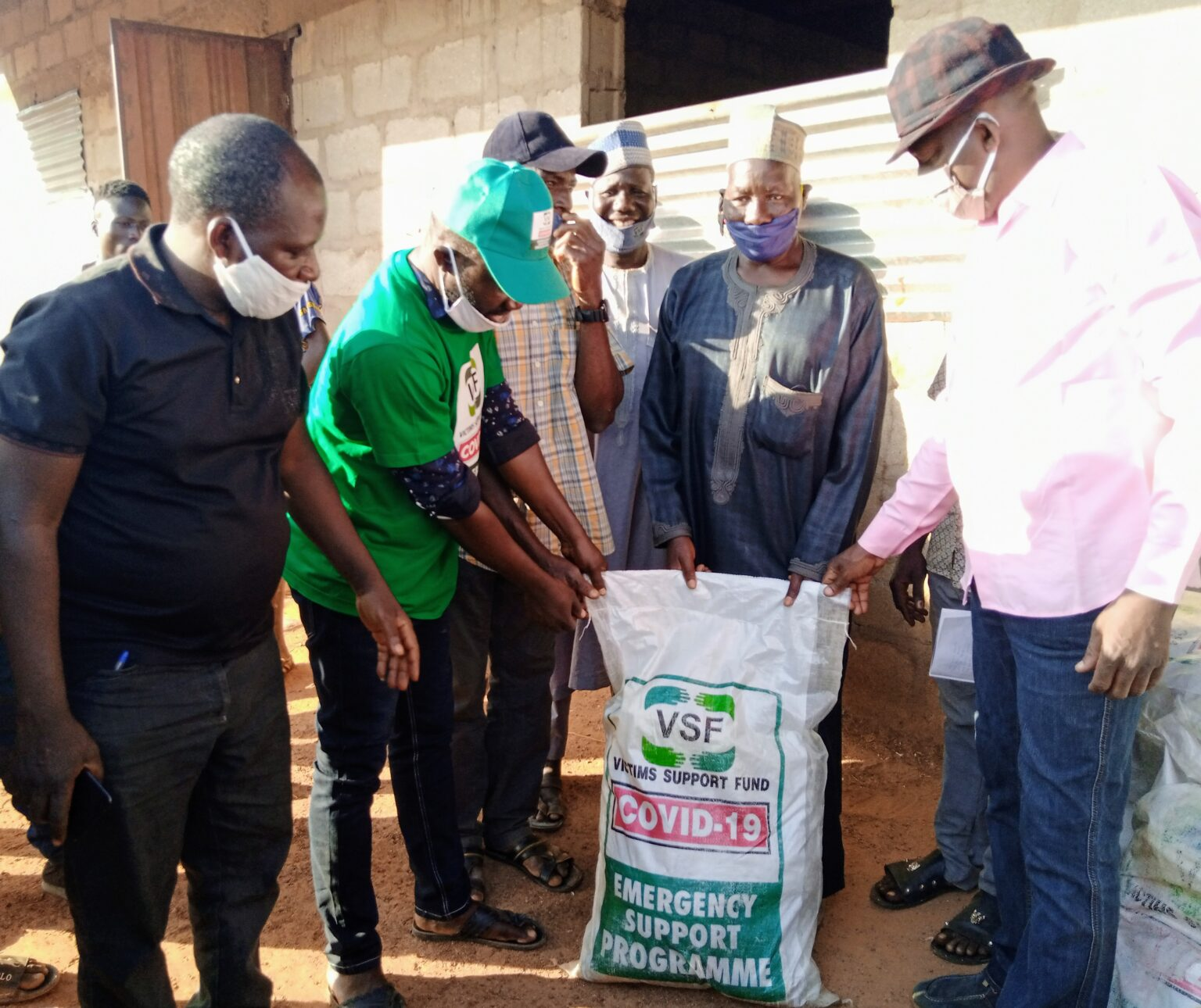 Handing-over-of-food-items-and-personal-pretective-equipment-to-internally-displaced-persons-in-Kaduna-1536×1290