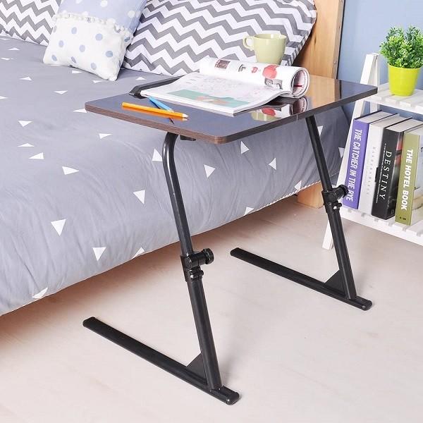 dolore alla bassa schiena: tavolino per laptop