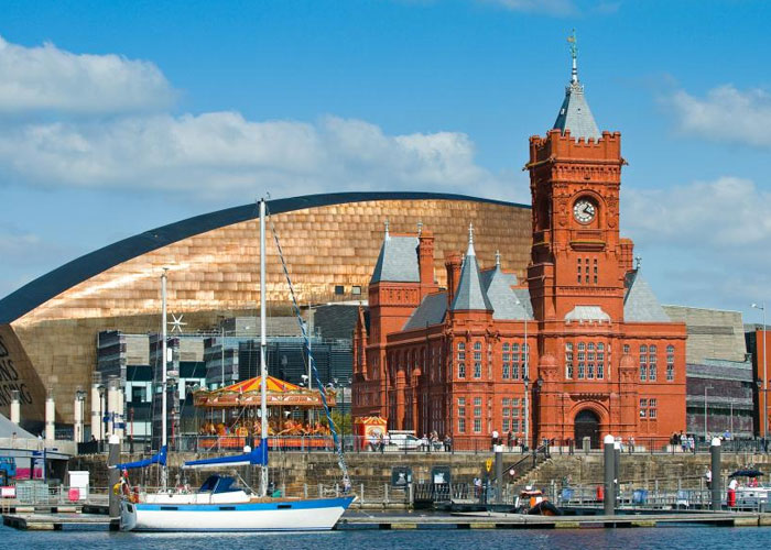 News from wales stock image of Cardiff Bay