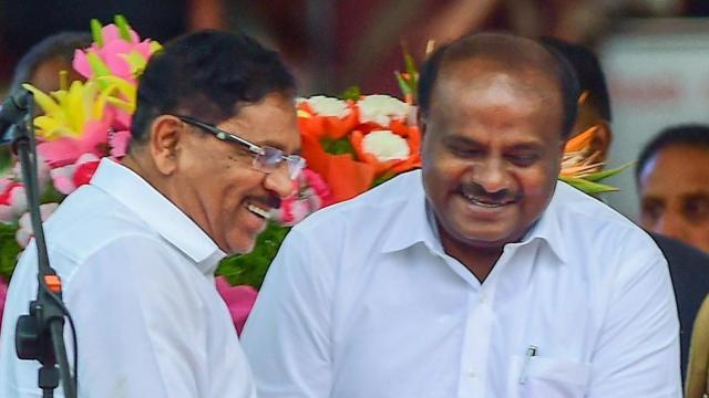 फ्लोर टेस्ट में पास हुए कुमारस्वामी, लेकिन कांग्रेस के इस नेता ने उन्हें डरा दिया है!