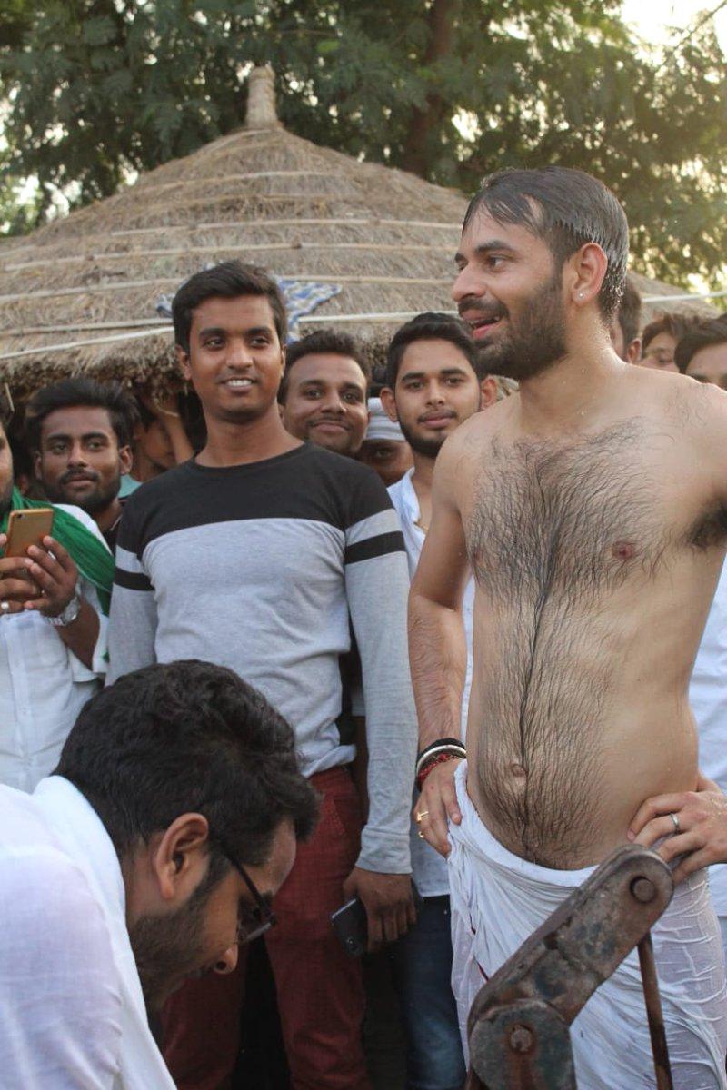 बिहार में तेजप्रताप का 'लालू अवतार', कहीं 'भाई' से कॉम्पिटीशन तो नहीं?