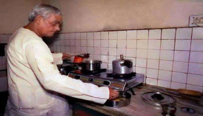 atal bihari vajpayee onley go to gwalior to eat laddoo