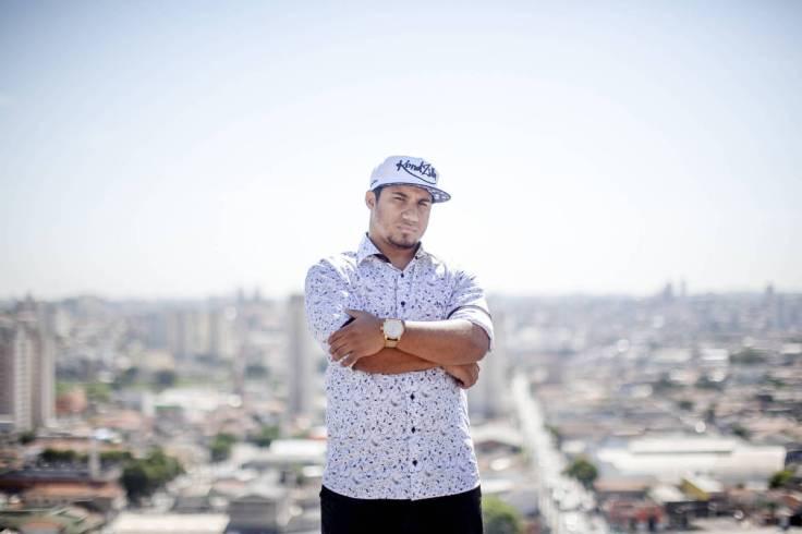 Konrad produtor da série Sintonia, compositor, e criador do canal KondZilla